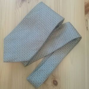 Tommy Hilfiger 100% silk duel color tie